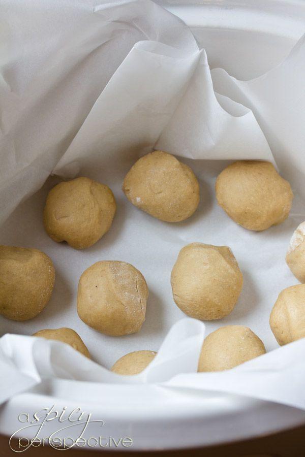 Slow Cooker Apple Butter Yeast Rolls