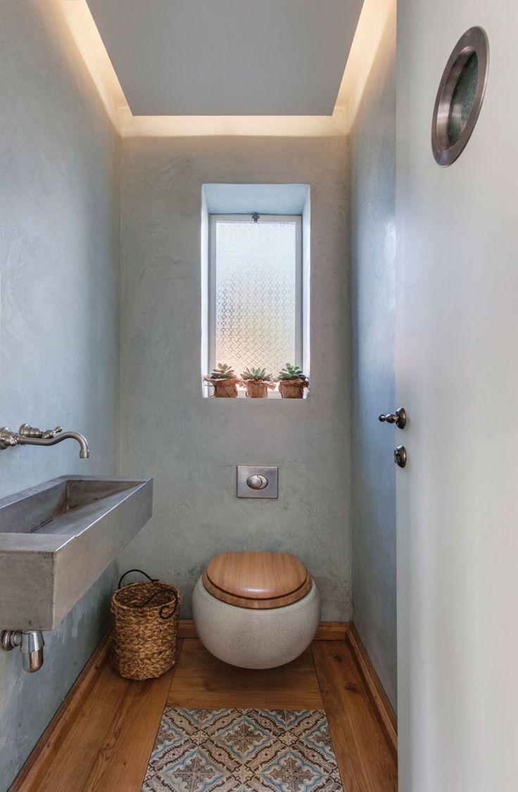 Toalete De Hospedes Com Iluminacao De Teto Em Estilo Rural De Em Estilo Hospedes Ilumin Gaste Wc Gestalten Kleines Wc Zimmer Badezimmer Innenausstattung