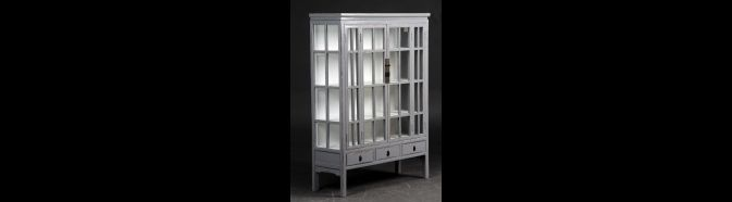 Vitrineskabe - Køb vitrineskabe, hjørneskabe og bogreoler online