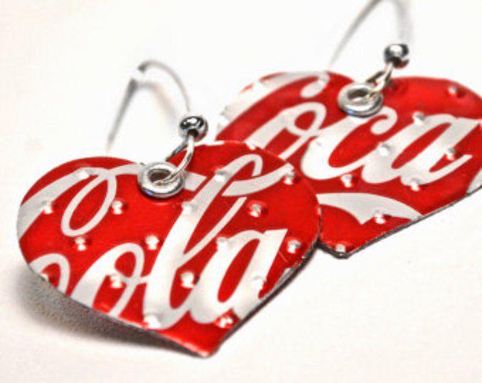 Pendientes de corazón de Coca Cola de joyería reciclada
