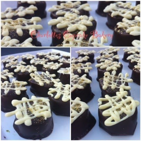 Charlotte's Cupcake Bakery : Konfekt m/kirsebær