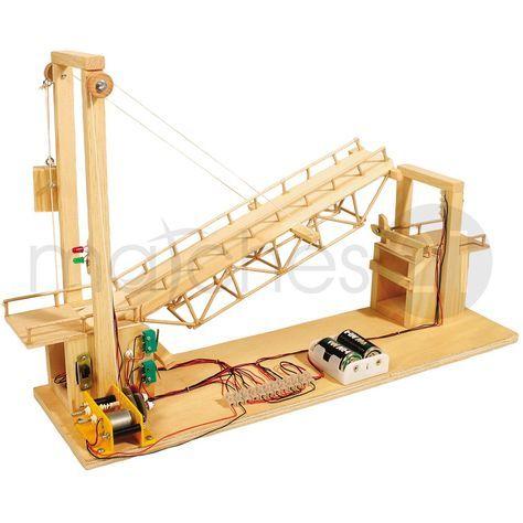 Die ersten Versuche in der Pneumatik werden hier einfach, schrittweise, verständlich und nachvollziehbar demonstriert. Dieses tolle, nostalgische Zugbrücke ist ein anschauliches Funktionsmodell, mit einer Konstruktion, die heute noch verwendet wird. Ein Getriebemotor, der über Schaltkontakte gesteuert wird, hebt und senkt die Brücke, Leuchtdioden und die mechanisch betriebene Schranke zeigen an, wann die Brücke befahren werden darf. Folgende Arbeitstechniken werden durch diesen Bausatz…