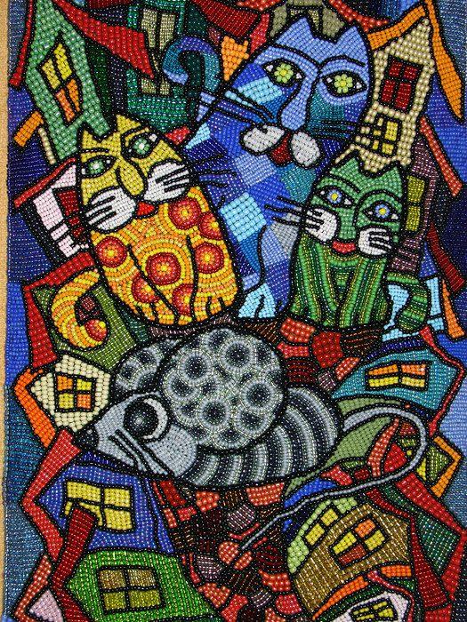 Картина Алены Дьяченко-Карташовой «Семейство». Вышивка бисером на фетре 29х44см