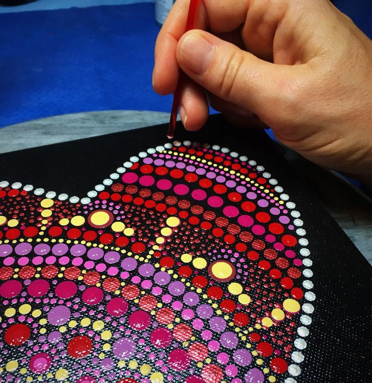 A heart shaped Mandala using tools from Happy Dotting Company #dotting #happydottingcompany #mandala