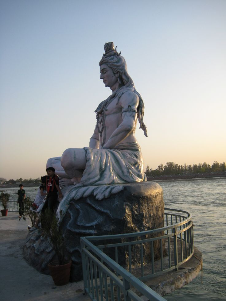 Rishikesh statue by the Ganges