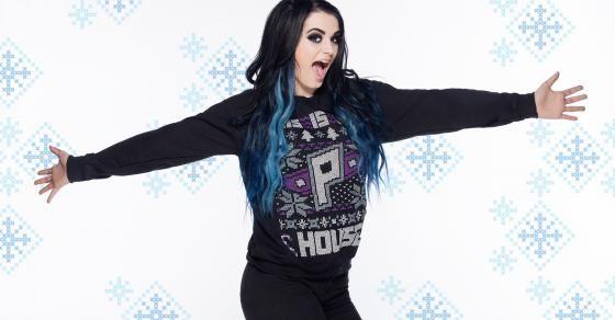 ¡Dean Ambrose, Brie Bella, Roman Reigns y otras Superestrellas y Divas usan algunos de los mejores (o peores) atuendos navideños, disponibles ahora por WWEShop.com!