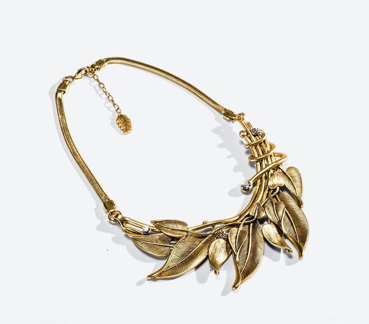 Hidden leaf necklace.