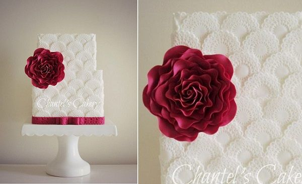scalloped cake design doily scallops by Chantel's Cakery