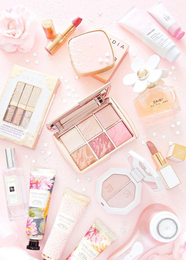 Aesthetic Makeup Wallpaper : aesthetic, makeup, wallpaper, Beauty, Guide, (Friday, Faye), Guide,, Luxury, Makeup,