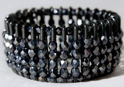 Safety Pin Bracelet #toobuku // www.thebukuproject.com