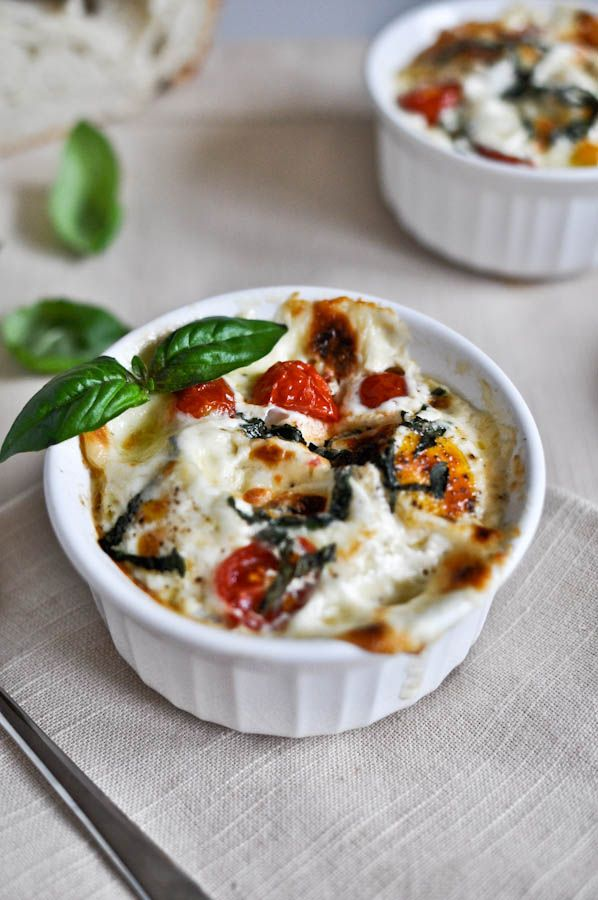 Caprese Baked Egg Cups: I'm on a huge run of baking eggs in the morning and…