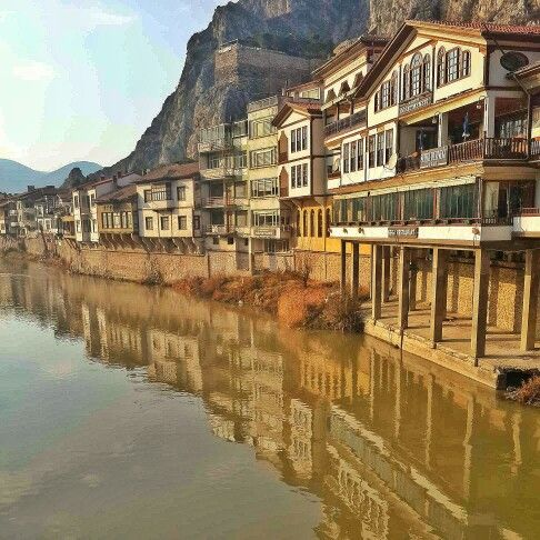 Amasya #Turkey #Amasya #Yeşilırmak #history #historical #place #ırmak #şehzadeler #şehri #river #mavi #gökyüzü #light #road #colorful #landscape #nature #cool #architecture #Ottoman #stone #mountain