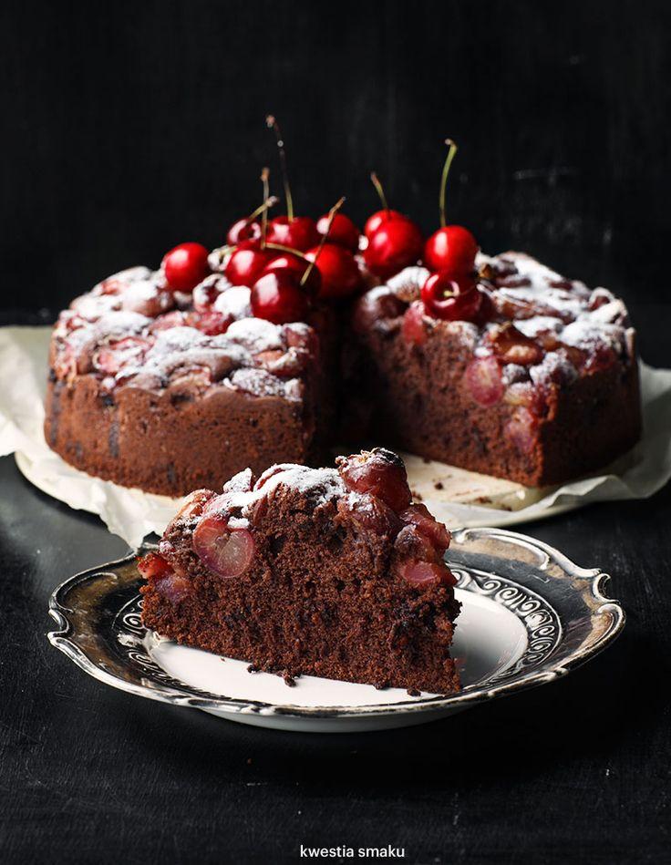 Murzynek z czereśniami i czekoladą
