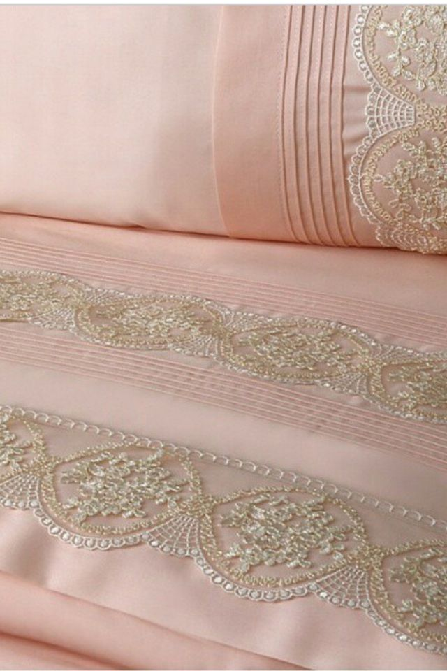 Pink Cotton Bedlinen with Lace Trim ....
