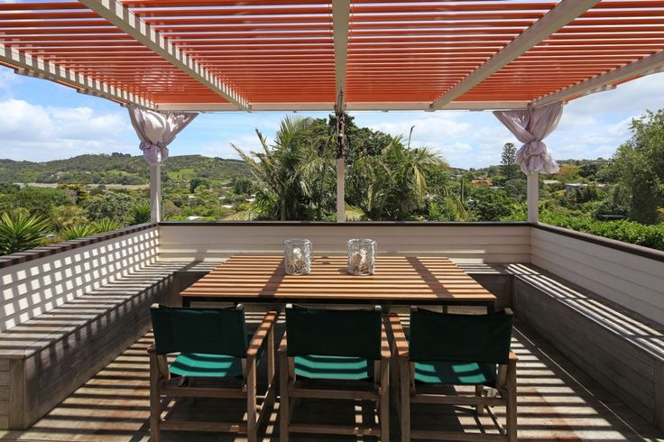 WHITE HOUSE | Be My Guest in Oneroa, Waiheke Island | Bookabach