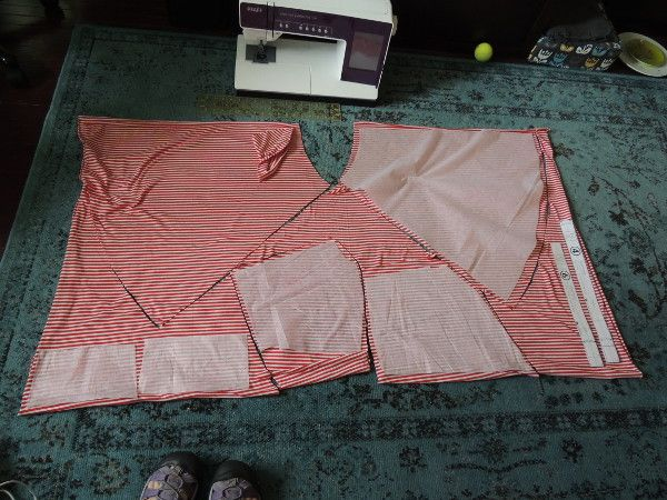 fit on 2 yards even for a large size -- red-stripe-cake-patterns-tiramisu-layout