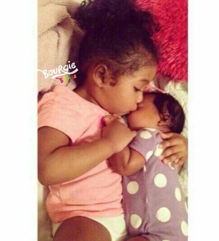 La grande soeur aime Dm pour les fonctionnalités instantanées Suivez @bourgiebabies @bourgiedads @bour …   – mothers and daughters