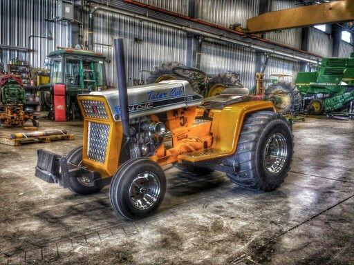 Cub Cadet Pulling Tractors : Modified class pulling cub tractor