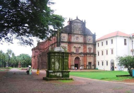 A Igreja de São Francisco Xavier: a rica influência histórica e a herança cultural da civilização indo-portuguesa de Goa.