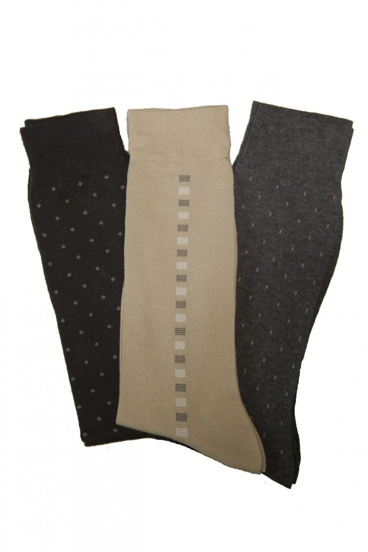 (http://www.labelshopper.com/mens-three-pack-cotton-dress-socks/)