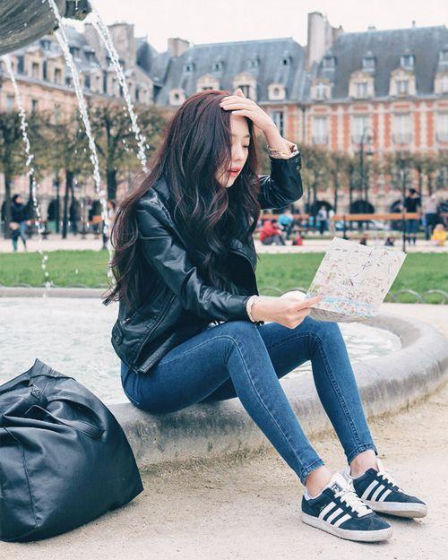 seoul of my heart \\ effortless korean style: leather bomber, skinny jeans, adidas kicks