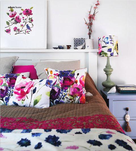 Bright, fun colors.: Floral Pillows, Floral Patterns, Decor Ideas, Floral Prints, Color, Bedrooms Design, Interiors Design, Floral Bedrooms, Guest Rooms