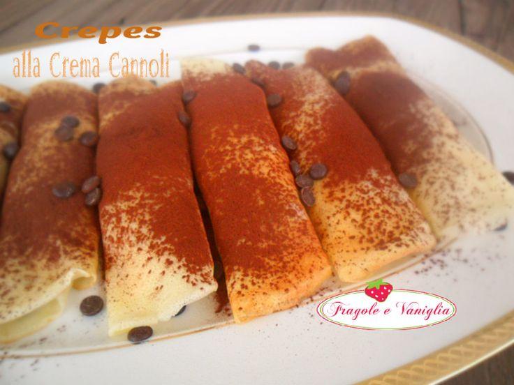 Le crepes alla crema cannoli sono farcite con una fantastica crema di ricotta con gocce di cioccolato fondente e scorzette d'arancia candite