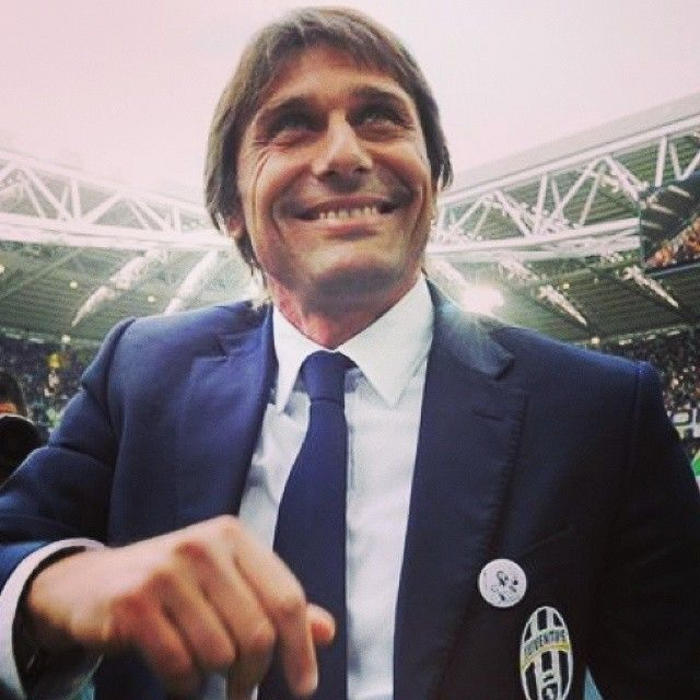 63 best football selfies images on pinterest selfie selfies and ufficiale antonio conte il nuovo allenatore della nazionale azzurra come la fandeluxe Image collections