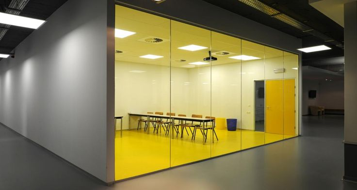 Classrom into ECS Brussel, Belgium