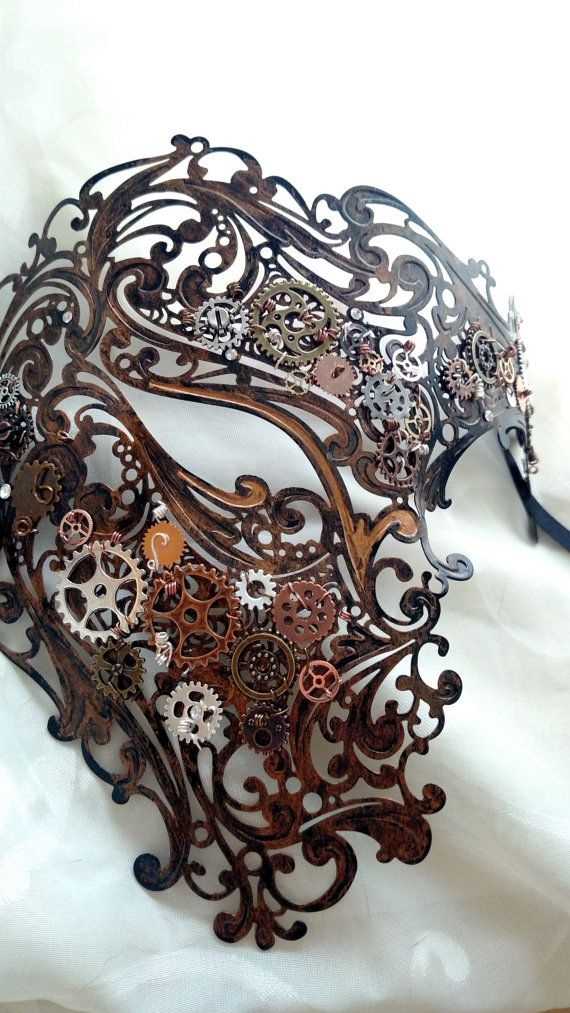 Etsy の Steampunk-decorated Phantom Mask by HarlansEmporium