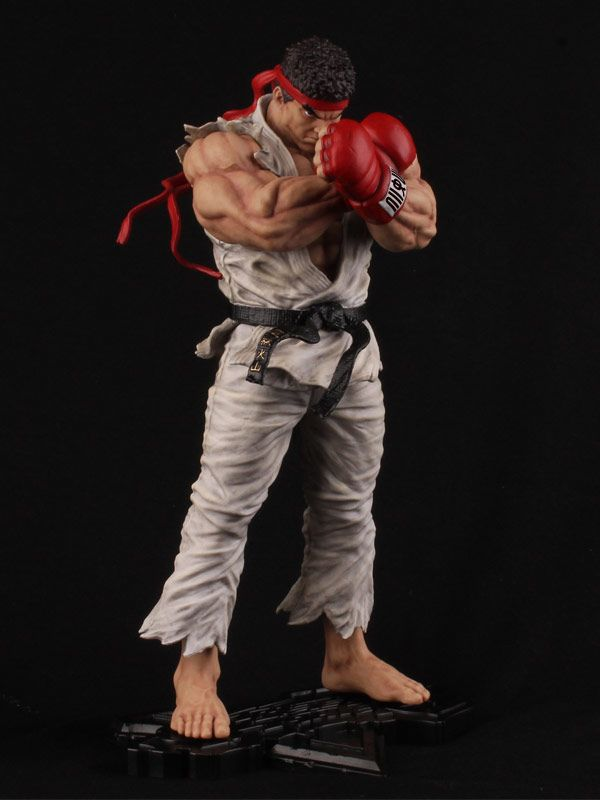 Street Fighter 5 collector's edition Ryu statue image #2