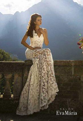 Svadobné šaty s čipkou s Večkovým výstrihom