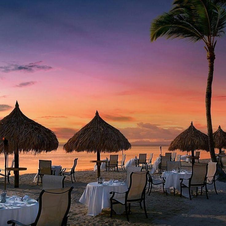 Si eres de los que disfruta más del Turismo gastronómico te sugerimos que chequees el TOP 10 de restaurantes en la Isla Feliz #Aruba para que agarres el 2x1 en boletos que tenemos y hagas el viaje que te mereces. Top 10 restaurantes en #Aruba:  1. Sunset Grill 2. Fools and a Bull. 3. Aqua Grill 4. Aquarius 5. Arubaville Bar & Restaurante 6. Atardi 7. Bingo Café 8. Blt Steak 9. Aruba Elements 10. Bis Marketplace Nuestros contactos:  0295 4171343 0412 7050963/ 0414 1542963…