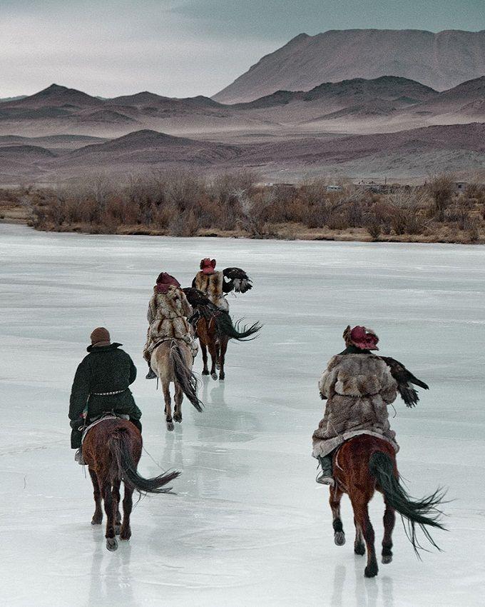 обычном прыще завораживающие фото казахов живущих в монголии лепные узоры