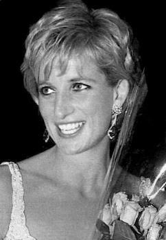 dianaPrincesses Diana, People Princesses, Lady Di, Heart, Diana Remember, Diana Photos, Black And White, Diana Image, Princess Diana