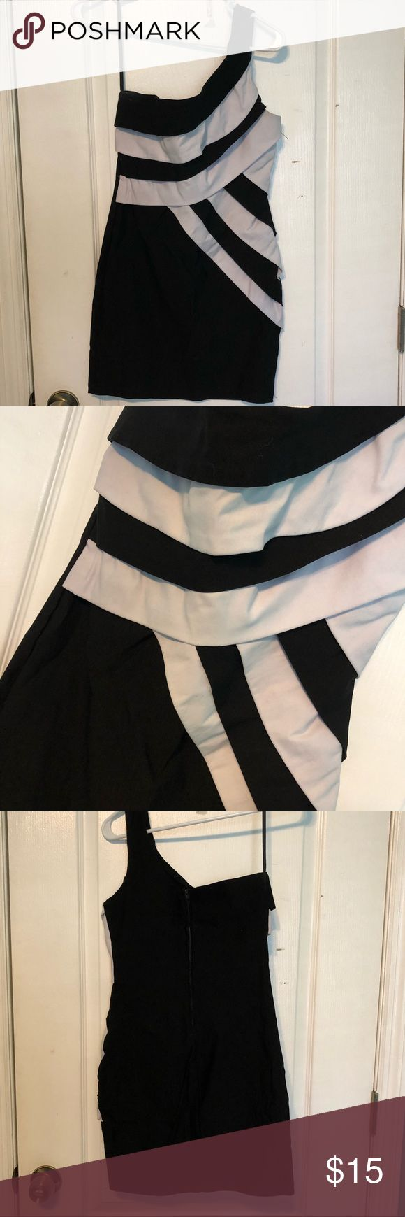 Black&White cocktail dress Can be used for Christmas parties, homecoming, junior prom or a fun night out! Black and white striped size 3 dress Ruby Rox Dresses Mini