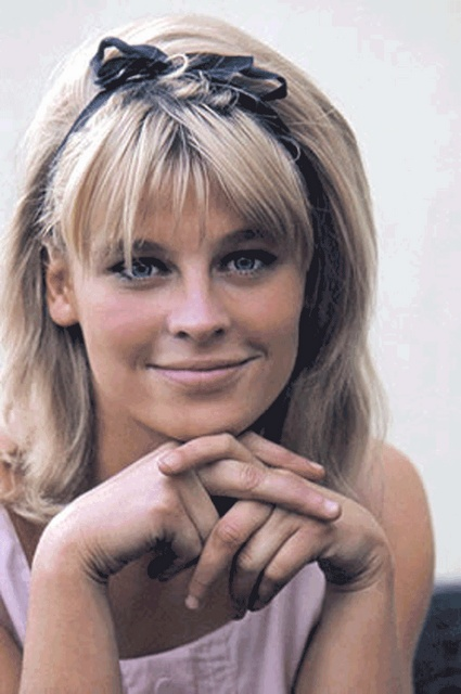 Julie Christie (b. April 14, 1941). soo cute