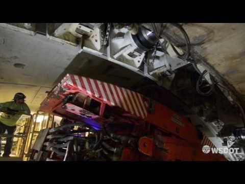 www.popularmechanics.com technology infrastructure news a24895 seattle-big-bertha-tunnel-boring-machine ?zoomable