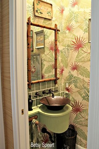 I don't want a Hawaiian bathroom, but this gives me some ideas for stylizations elsewhere.