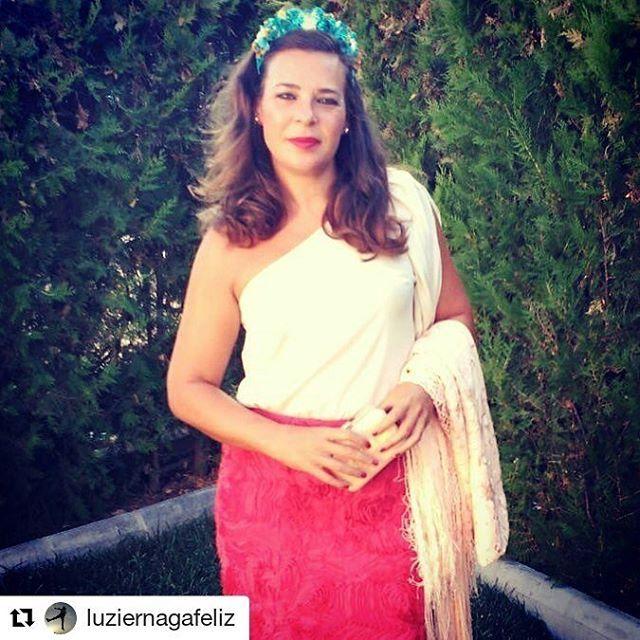 Qué nos gusta tener embajadoras tan guapas! Preciosa Lucía con corona de flores en turquesa y mostaza  #BeToscana #ToscanaTocados #invitadasboda #bodas #weddingtime #turbantes #look #ootd #lookinvitada  #lentejuelas #dorado #smile #invitadasboda #invitadas #invitadasconestilo #invitadasfelices #invitadasperfectas #deboda #boda #tocados #temporadabodas #septiembre #summer #fashionwoman #style #trend  #Repost @luziernagafeliz with @repostapp ・・・ #soyfridacalo #todopormigemaymibartolo  #riot...