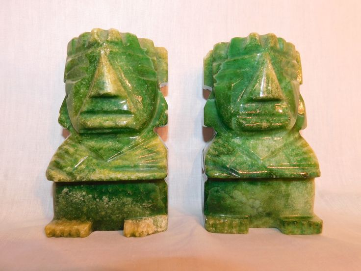 Vintage Tiki book ends by JPNelsonTrading on Etsy https://www.etsy.com/listing/475640256/vintage-tiki-book-ends