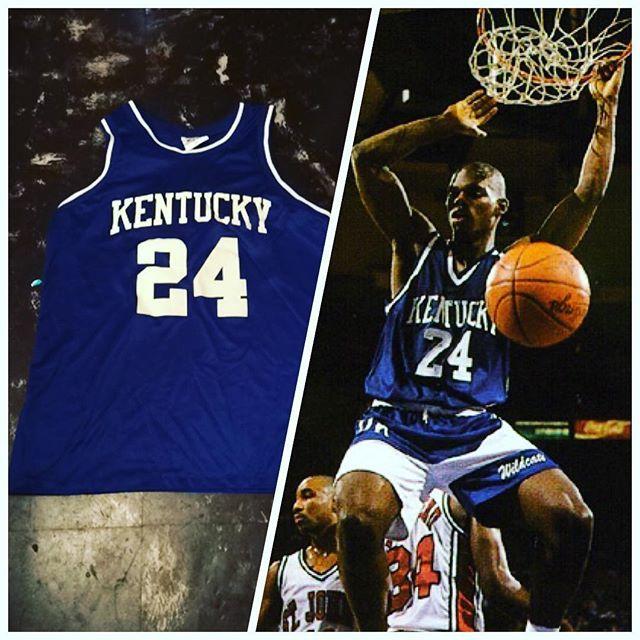 Jamal Mashburn Kentucky College Basketball Jersey! Size L EXCELLENT Condition #vintage #vntg #collegebasketball #ncaa #thrifting #thriftstorefinds #goodwill #jersey #basketball #basketballjersey #jamalmashburn #forsale #kentucky #uk #universityofkentucky