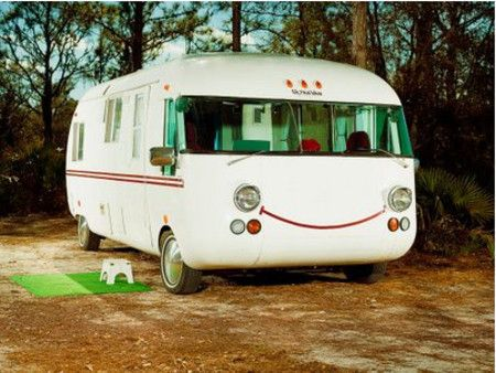 Smiley wagonMobiles Home, Retro Cars, Happy Home, Travel Trailers, Vintage Retro, Kids Camps, Weights Loss, Interesting Ideas, Happy Campers