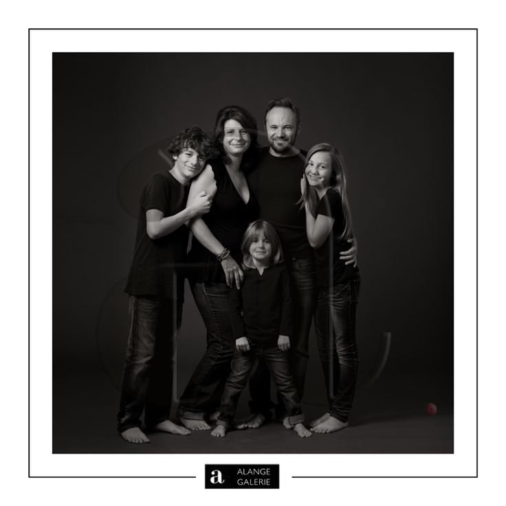 on pinterest  sibling poses, extended family photos and mariage
