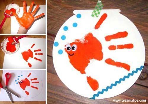 Idées activités manuelles enfants - Carte Poisson d'Avril Empreinte de main : Album photo - aufeminin.com : Album photo - aufeminin.com - aufeminin