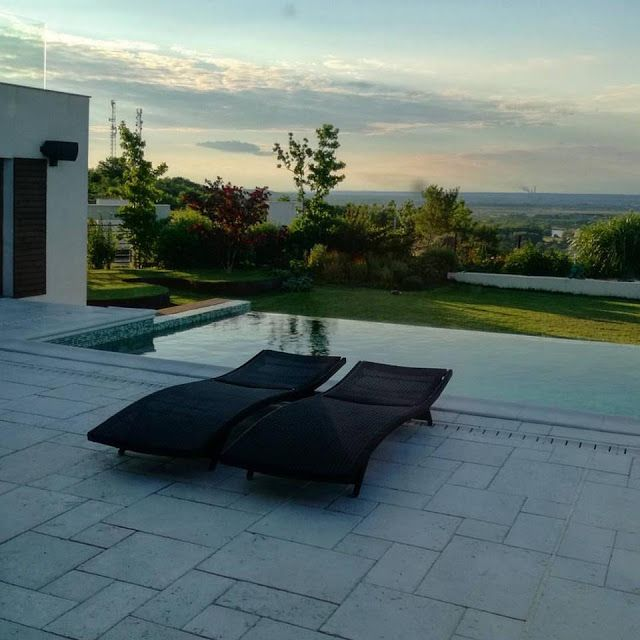 Gradina moderna - gradina minimalista cu piscina infiniti - Peisaj Amenajare gradina. Arhitect Peisagist. Poteca studio. Amenajare gradina moderna. Piscina.