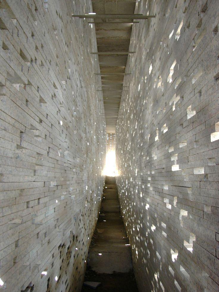 Masonry and light _Intervención en la muralla nazarí, by Antonio Jiménez Torrecillas, in Granada, Spain.