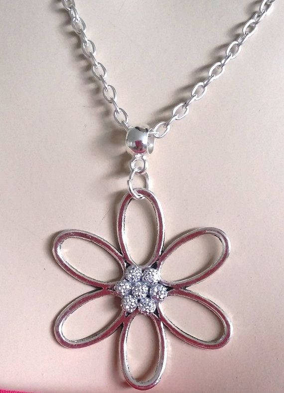 Flower pendant necklace chain with dotted crystal beads