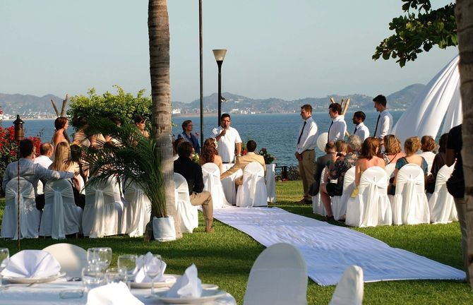 It may feel like you have all the time in the world, but if you're planning a destination wedding for this coming winter, the time to book is now. The growth of destination weddings over the past decade has been nothing short of phenomenal.