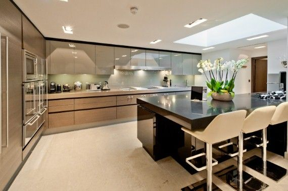 High-gloss kitchen